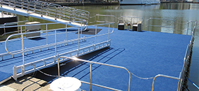 Party Pontoon off Private Yacht – London
